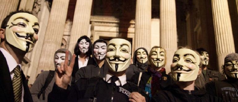 Anonymous включили песню N.W.A по полицейскому радио