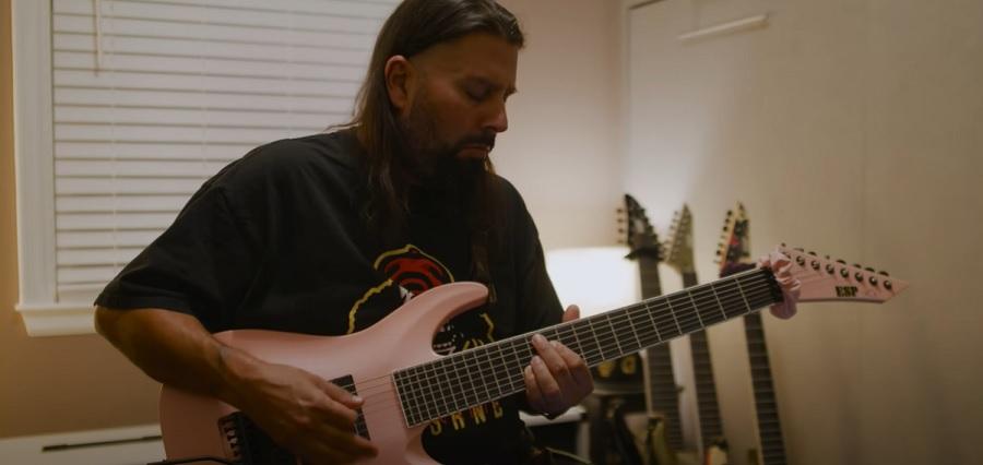 Гитарист Deftones выпустил плейтру на «Beauty School»