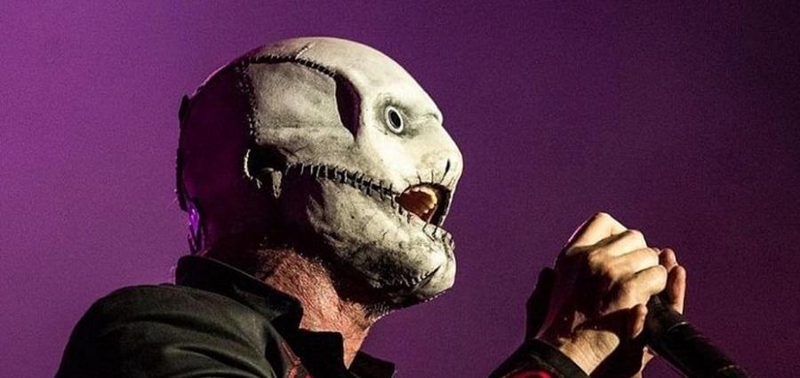 Кори Тейлор из Slipknot выступил в новой маске